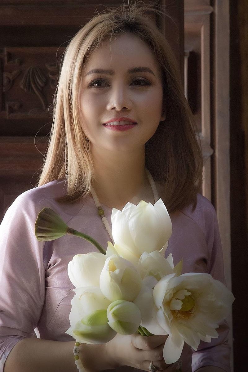 cô Xuyến Hoàng Yến hậu ly hôn 3