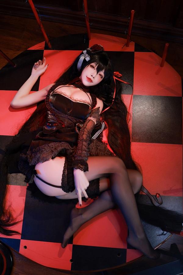 Khó cưỡng lại sự ngọt ngào của cosplay Azur Lane Taihou 3