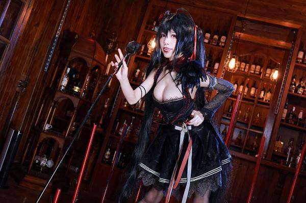 Từ tựa game thú vị đến chùm ảnh cosplay Azur Lane Taihou vạn người mê