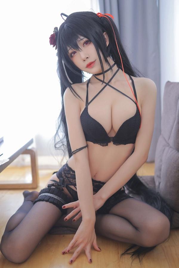 Khó cưỡng lại sự ngọt ngào của cosplay Azur Lane Taihou 9