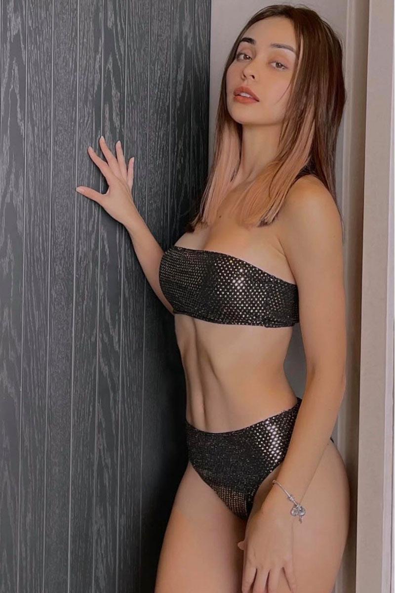 Hot girl MLee tạo dáng khoe đường cong cực chuẩn