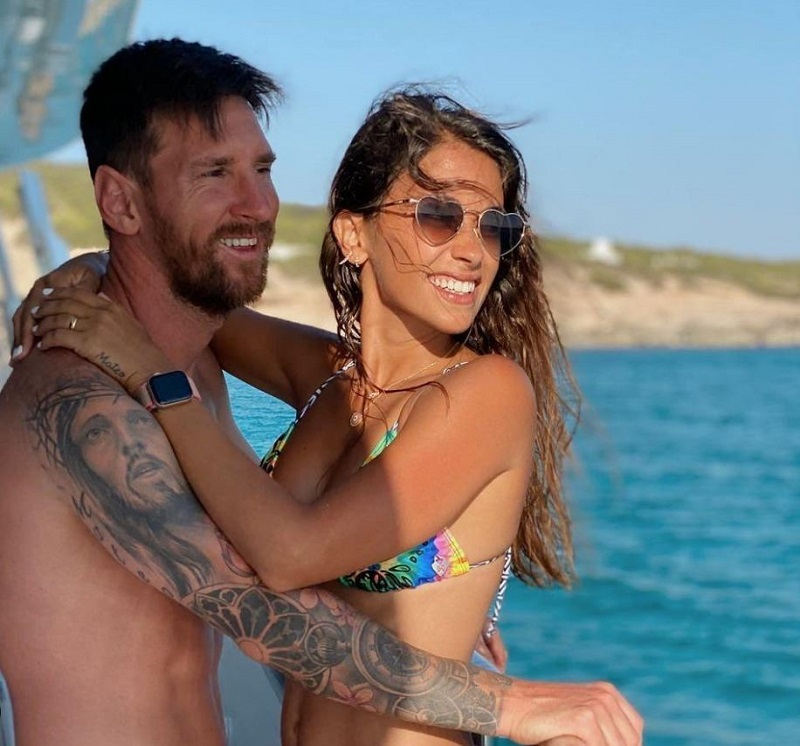 Vợ Messi - Antonella Roccuzzo Diện Bikini Vẫn Nóng