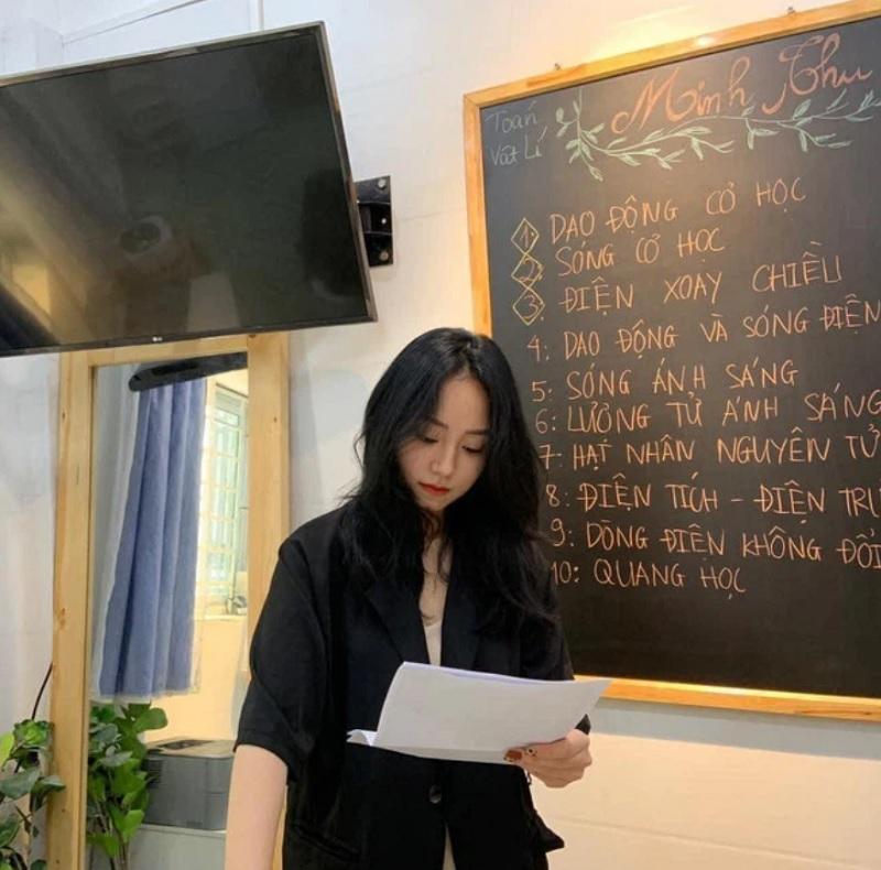 bài giảng của cô Minh Thu rất dễ hiểu nên học trò rất thích.
