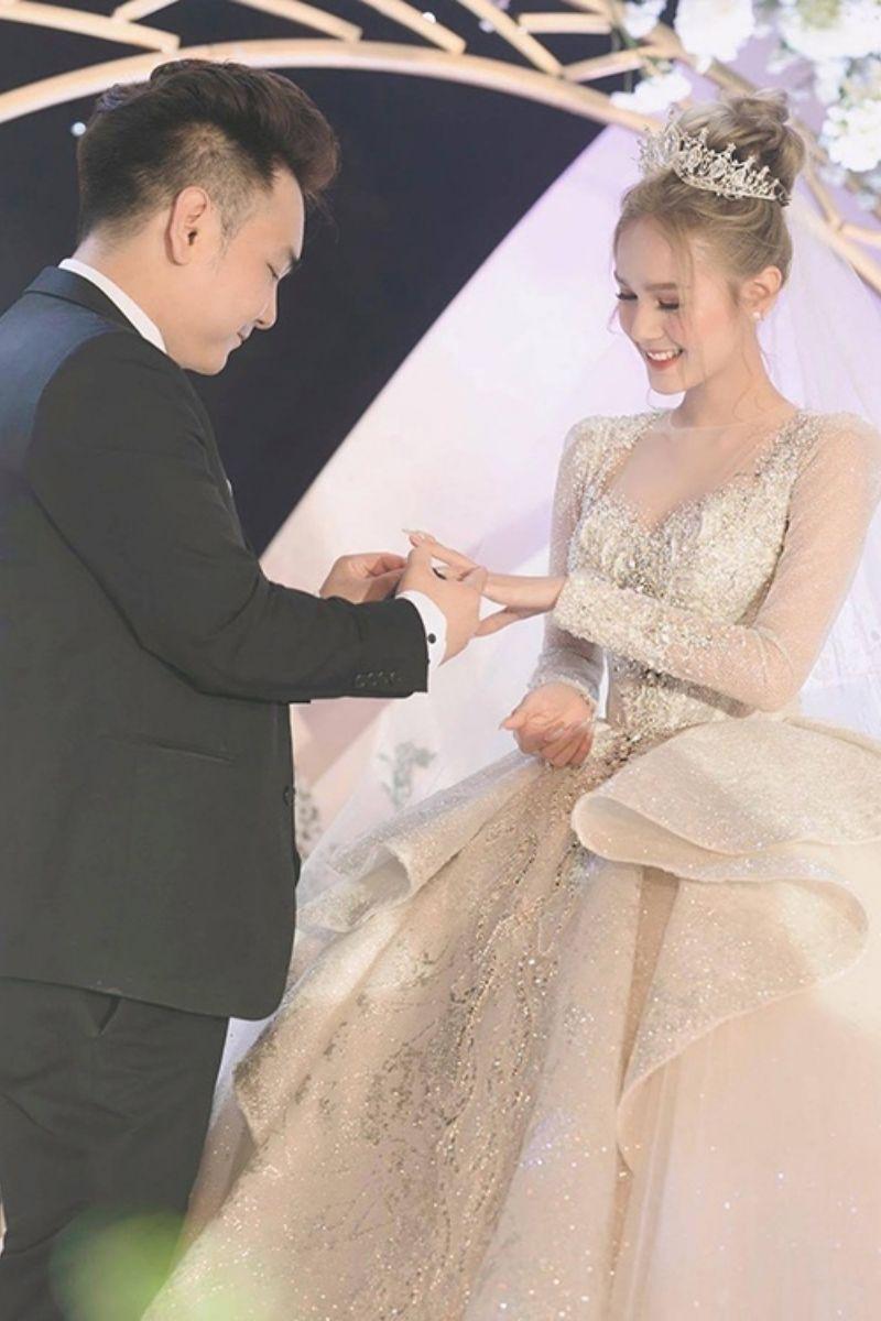 """Xoài Non trở thành """"vợ streamer giàu nhất Việt Nam"""" vào năm ngoái"""