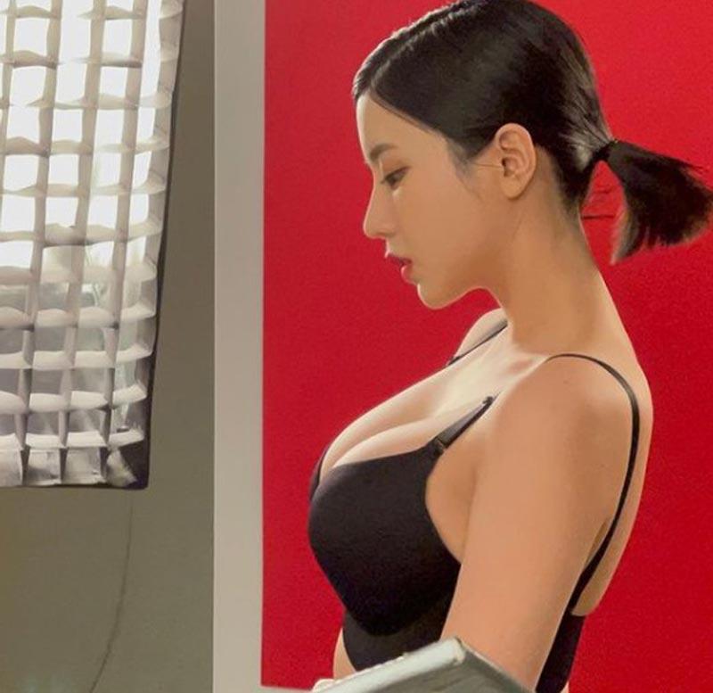 Người mẫu cho tạp chí nội y