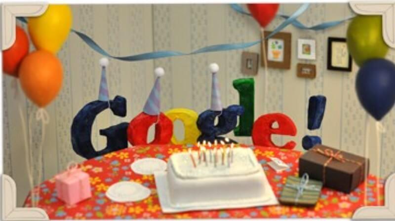 Bánh sinh nhật Google được thiết kế doogle đơn giản nhưng đáng yêu.