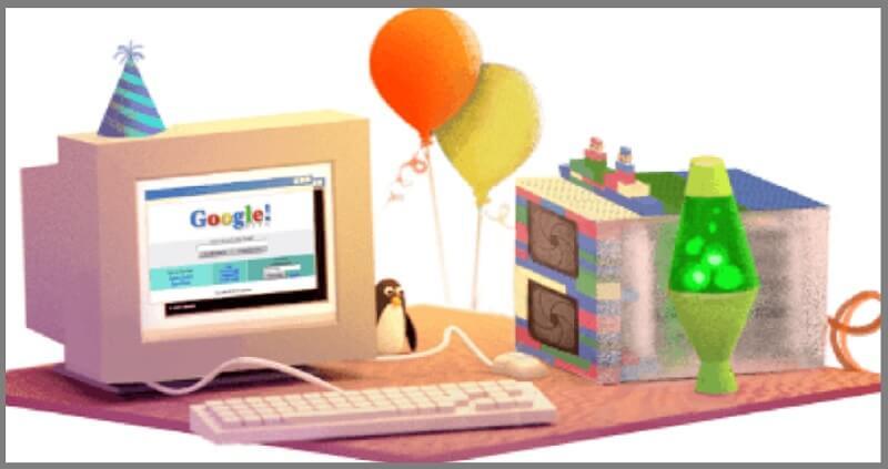 Bánh sinh nhật google cùng dàn PC.