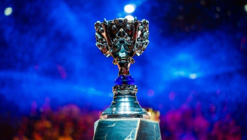 CKTG 2021 - Giải vô địch thế giới Liên Minh Huyền Thoại 2021, cúp Summoner danh giá.