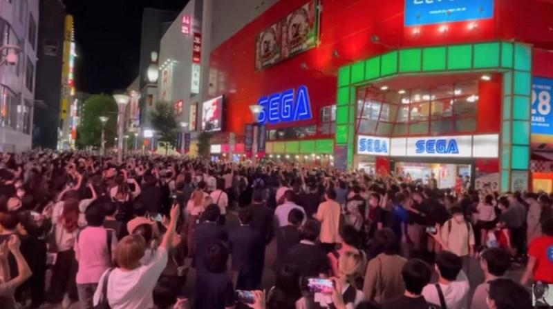 đã có hàng chục nghìn người đến tạm biệt vào ngày cuối cùng của trung tâm SEGA