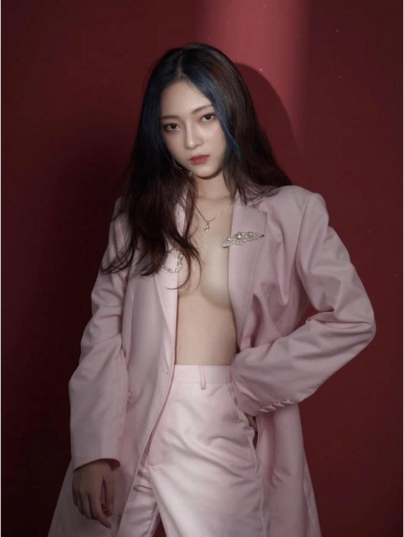Streamer Linh ChiChan thả rông