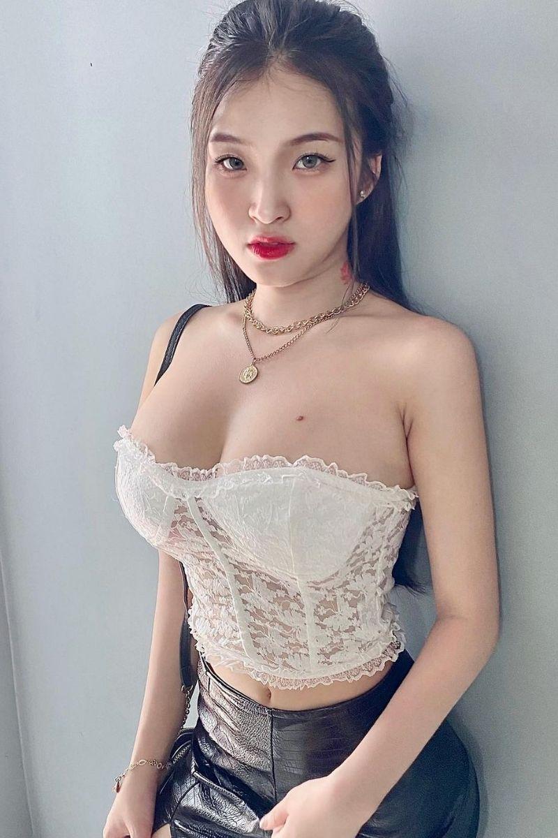 vẻ sexy quyến rũ của Phan Thị Bảo Trân
