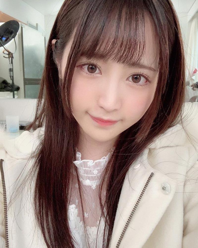 Rikka sở hữu gương mặt trẻ trung xinh đẹp