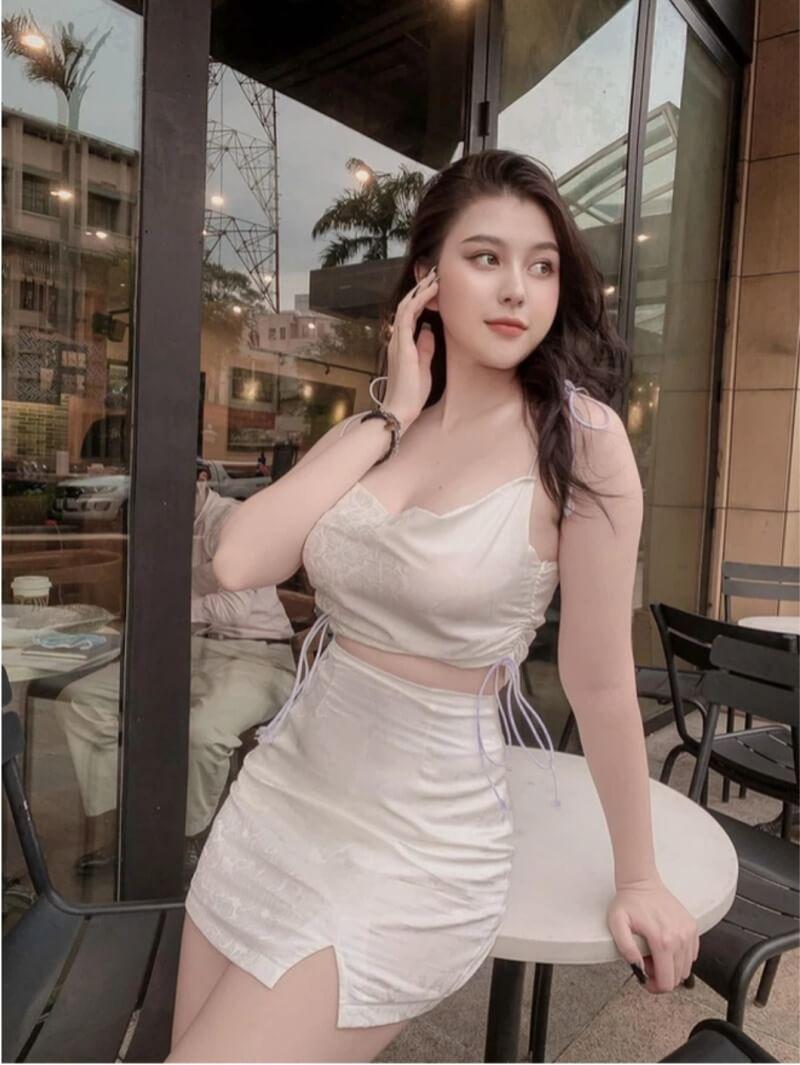 Suna - hot girl mặt mộc